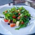 Изображение «Салат с  рукколой, моцарелой и семгой»